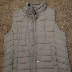 Lightweight puffer vest jacket